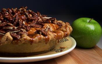 Babalu Caramel Pecan Apple Pie