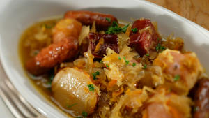 Choucroute with turkey sausages