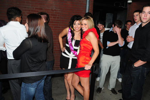 Club-goers brave the line in River North
