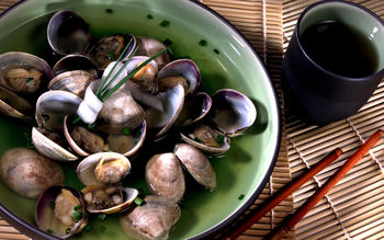 Miso soup with Manila clams