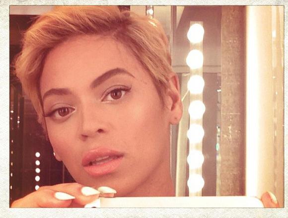 Beyonce debuts pixie haircut