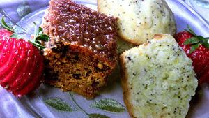 Caramel glazed applesauce cake