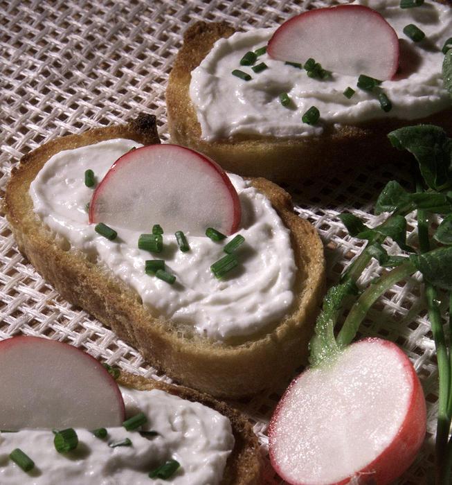Horseradish cream crostini
