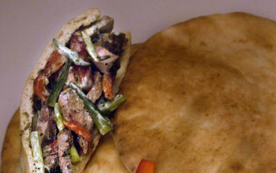 Grilled lamb and pita sandwiches with yogurt-mint sauce