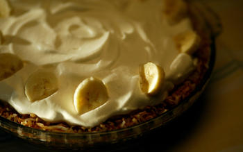Lawry's coconut banana cream pie
