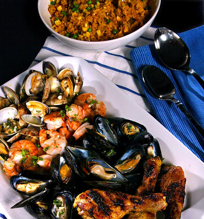 Grilled shellfish and chicken