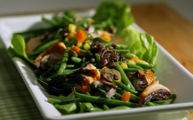 Salmon and haricots verts salad with lemon herb dressing