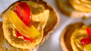 Roasted red pepper crostini