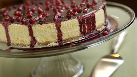 Pomegranate-glazed orange cheesecake