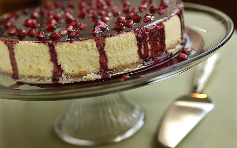 Pomegranate-glazed orange cheesecake
