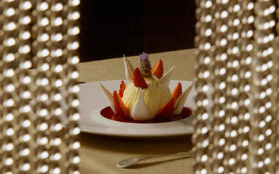 Vacherin glace with lavender ice cream