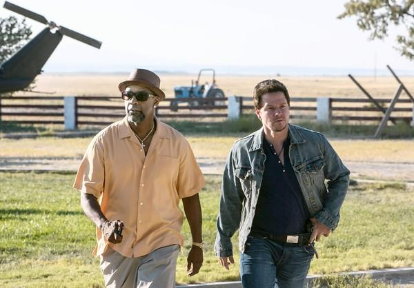 "Denzel Washington and Mark Wahlberg star in ""2 Guns."""