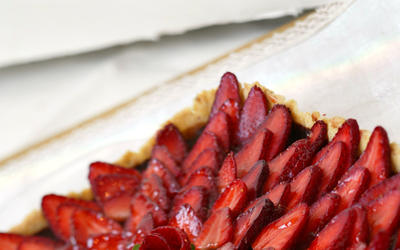 Chocolate ganache strawberry tart