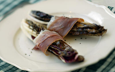 Grilled radicchio and prosciutto