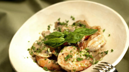 Prawn saute Chardonnay with fresh mushrooms