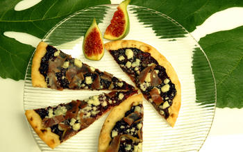 Fig, prosciutto and blue cheese pizzas
