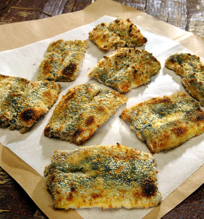 Sardines broiled with mustard breadcrumbs