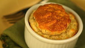 Souffle of goat cheese and walnuts
