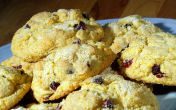 Corn-cherry scones