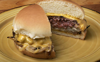 Onion-entangled griddle burgers