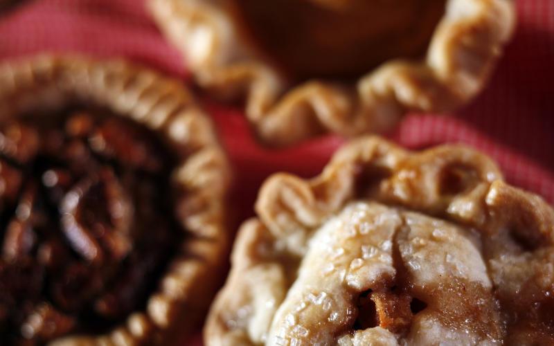 Mini double-crust apple pies