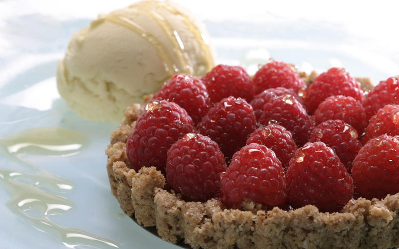Recipe: Raspberry tart with hazelnut crust and lemon verbena ice cream ...