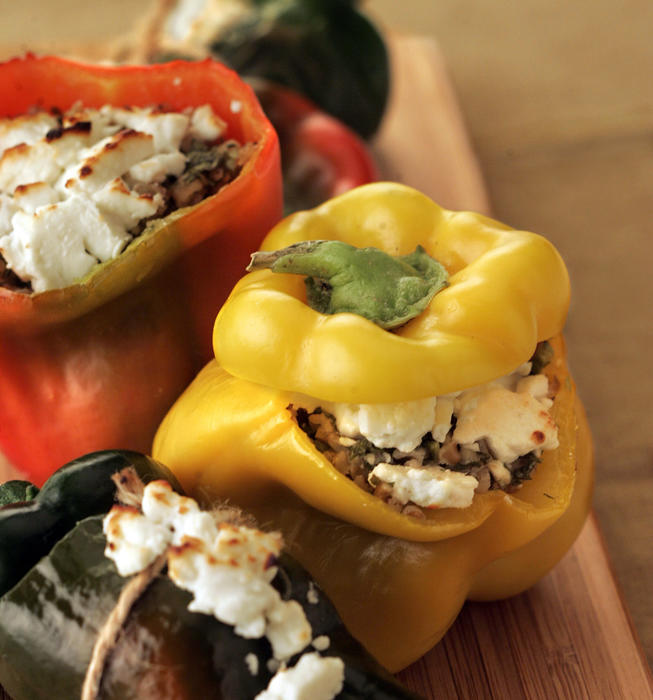 Peppers stuffed with bulgur and feta salad