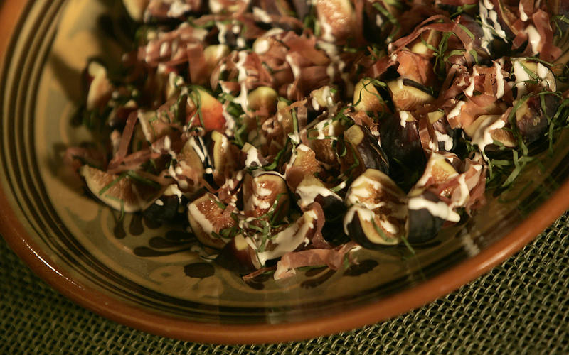 Recipe: Fig salad with prosciutto and basil - California Cookbook