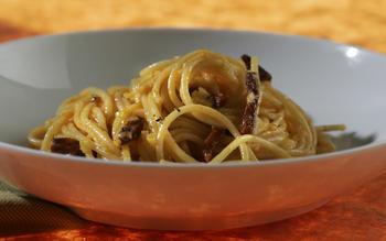 Spaghetti carbonara translated into Spanish