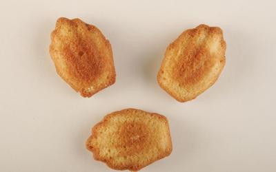 Orange madeleines
