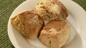Durty Nelly's cheddar green onion biscuits