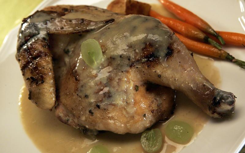 Roasted chicken with grape sauce (Pollo arrosto con salsa d'uva)