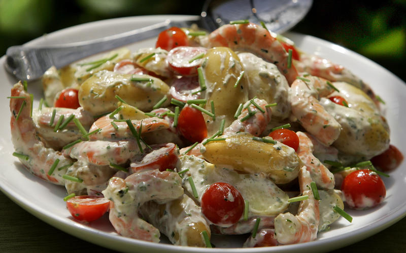 Recipe: Potato and shrimp salad with green goddess ...