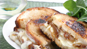 Lucques' grilled cheese with shallots