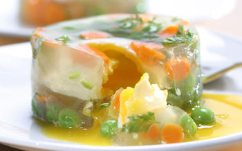 Poached eggs in white wine gelee