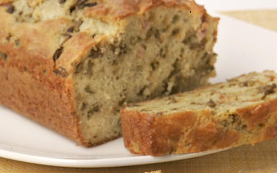 Lardon and olive cake