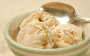 Baked apple ice cream