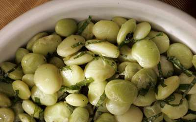 Lima beans with mint
