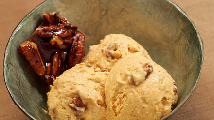 Pumpkin pie ice cream with pecan praline