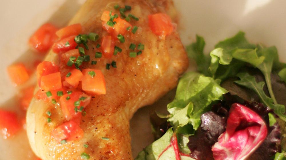 Sauteed chicken with red wine vinegar sauce
