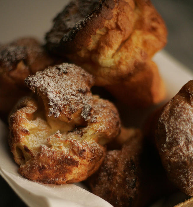 Lemon-scented popovers