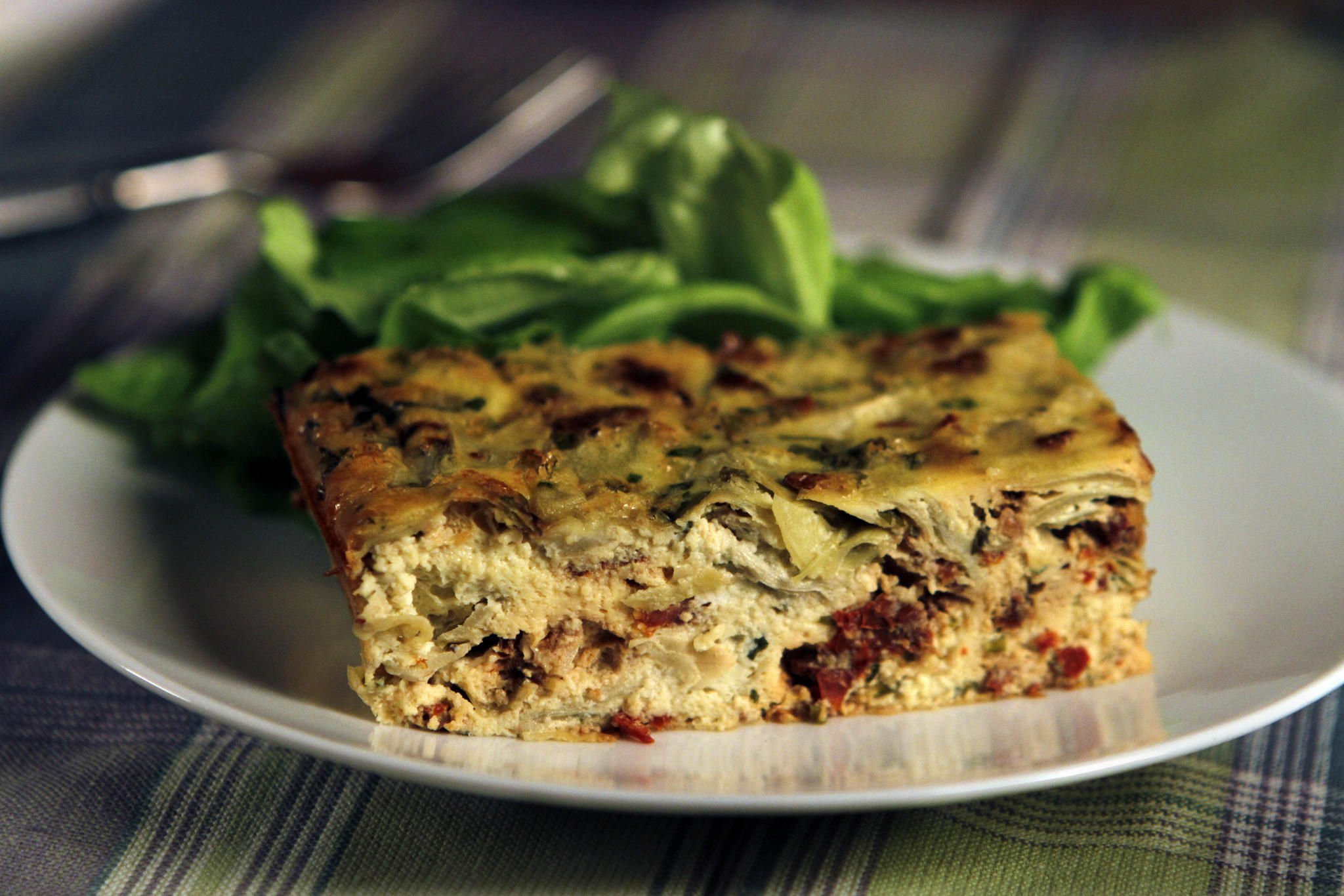 Artichoke and sun-dried tomato frittata