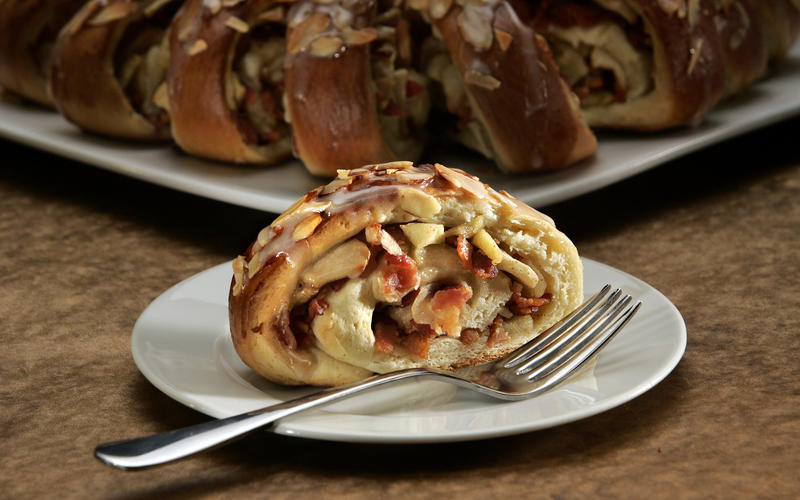 Recipe for apple bacon coffee cake
