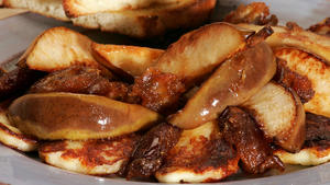 Fried haloumi with pears and spiced dates