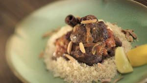 Lamb tagine with dried fruit
