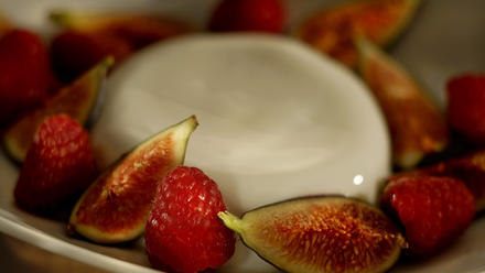 Vanilla panna cotta with seasonal fruit