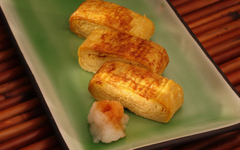 Dashi-maki tamago (home-style Japanese omelet)