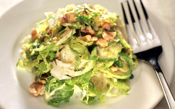 Wilted Brussels sprouts with walnuts