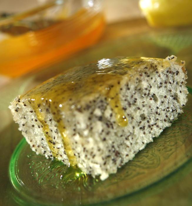 Poppy seed crazy cake