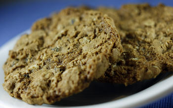 Corner Bakery Cafe's oatmeal currant cookies